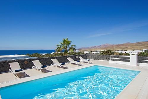 www.sun-e-holidays.com