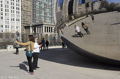 Selfies, Cloud Gate (V. C. Wald) Tags: chicago millenniumpark cloudgate thebean publicsculpture anshkapoor