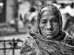 Kolkata - Elder Woman b/w (sharko333) Tags: voyage street travel portrait people bw woman india asia asien olympus asie kolkata indien reise em1 kalkutta  westbengalen