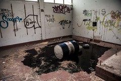 DSC_7495 (josvdheuvel) Tags: urban streetart art station graffiti nikon belgique belgie gare explorer trainstation urbex treinstation belgia montzen josvandenheuvel 0031612267230 josvdheuvelgmailcom wwwjosvdheuvelnl