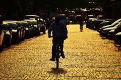 against (paddy_bb) Tags: street sun silhouette germany deutschland cityscape lbeck schleswigholstein 2016 nikond5300 paddybb