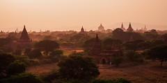 IMGP7504 (Montre ce qu'il voit!) Tags: colors landscape gold golden julien asia pentax couleurs burma religion buddhism myanmar asie mm paysage budda vidal k5 birmanie boudhisme myanmarbirmanie mandalayregion