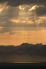 God (ramosblancor) Tags: naturaleza nature paisaje landscape atardecer sunset dusk nubes clouds color marcantbrico cantabriansea dios god rayosdesol sunbeam cabopeas asturias