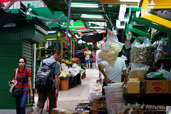 20160827-22-Hong Kong streets (Roger T Wong) Tags: 2016 hongkong rogertwong sel70300g sony70300 sonya7ii sonyalpha7ii sonyfe70300mmf2556goss sonyilce7m2 fruit market people stalls streets travel