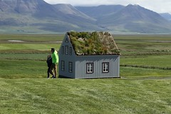 Wonderful Iceland. (rogilde - roberto la forgia) Tags: prospettiva islanda iceland fantasy dimensioni lilliput gulliver iviaggidigulliver libro book lillipuziani