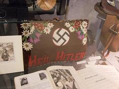 Heil Hitler pillow (quinet) Tags: 2013 austria autriche hakenkreuz heeresgeschichtliches heilhitler kissen museumofmilitaryhistory nazi swastika vienna vienne wien oreiller pillow sterreich
