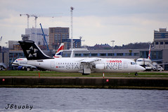 Swiss ~ British Aerospace Avro RJ100 ~ HB-IYV (jb tuohy) Tags: swiss britishaerospace avro rj100 hbiyv staralliance rj1h airplane aircraft airline plane jet avion aviation airport londoncity lcy transportation