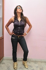 South Actress SANJJANAA Photos Set-10 (6)