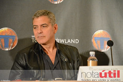 Clooney (NotaUtil) Tags: bird jeff brad canon movie hotel tim george dr cassidy disney follow hills montage conference beverly press tomorrowland athena clooney jensen mcgraw urania subscribe damonlindelof raffey notautil