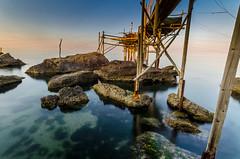 Dove muore il sole (Giulio Gigante) Tags: colors sunrise landscape nikon tramonto luna colori paesaggio abruzzo chieti giulio trabocco eccoqua d5100 giulionikon