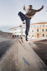 Snapshot... Douglas blunt fakie (Fabio Stoll) Tags: magazine switzerland skateboarding sony flash sigma fisheye 99 skate bern session alpha 15mm metz triggers bluntfakie pixelking ajvt