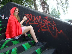 Roodkapje (bdungeon76) Tags: netherlands girl graffiti littleredridinghood roodkapjegraffiti