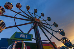 Exit (Foto_bongbong) Tags: longexposure blue sunset wheel ferris hour manila starcity tokina1116mmf28 nikond300s
