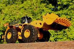 1:50 scale 994H cat loader by Tonkin (cheliman) Tags: 150 loader scalemodel diecast tonkin mininghaul truckmt4400ac994hcatcaterpillerwheel