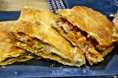 Empanada del Alcrique (juantiagues) Tags: empanada jubilados juanmejuto juantiagues