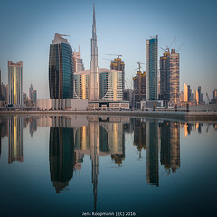 20151106-Dubai-1190917.jpg (bankstudent) Tags: skyline asien dubai uae motive orte reflexion sonnenaufgang spiegelung ae vae vereinigtearabischeemirate tageszeiten businessbay burjkhalifa