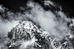 Dancing Clouds... (Ody on the mount) Tags: italien schnee winter bw monochrome urlaub wolken berge sw sdtirol dolomiten gipfel fototour anlsse hohegaisl dolomiten201602