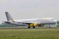 Veiling Airbus A320 EC-MJC (robdsn) Tags: airbus schipol ams a320 vueling polderbaan