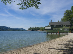 Romantik pur (schasa68) Tags: lake nature water landscape austria see sterreich wasser outdoor natur romantic boathouse landschaft obersterreich idylle bootshaus o salzkammergut upperaustria ruhe seeufer irrsee zellersee gewaesser