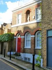 P1140471 Chelsea Vilage (londonconstant) Tags: england london architecture londra streetscapes promenades londonconstant costilondra