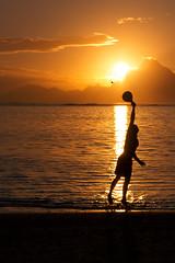 Tahitian Sunset (Franck83) Tags: sunset sea canon de soleil lagoon tahiti moorea couch