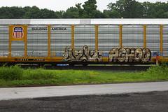 Uzit Achoo (BombTrains) Tags: road railroad art up train bench graffiti paint pacific tag graf union rail spray graff rambo freight autorack achoo fr8 benching hoet ettx ausk uzit 715940
