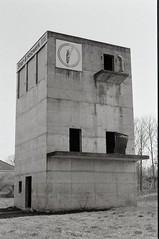 Stiel- und Holzwerk I (n0core) Tags: bw abandoned canon f1 ruine ddr tor tr gdr verlassen urbex orwo leerstand bleicherode np20