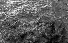 20150523 (zzkt) Tags: sea rocks hr lead f28 greyscale istria istra iso160 leicasummiluxm35mmf14asph leicam9 ¹⁄₁₂₅sec ¹⁄₁₂₅secatf28