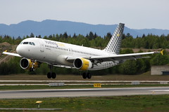 Vueling EC-MBY, OSL ENGM Gardermoen (Inger Bjrndal Foss) Tags: norway airbus osl gardermoen a320 engm vueling ecmby