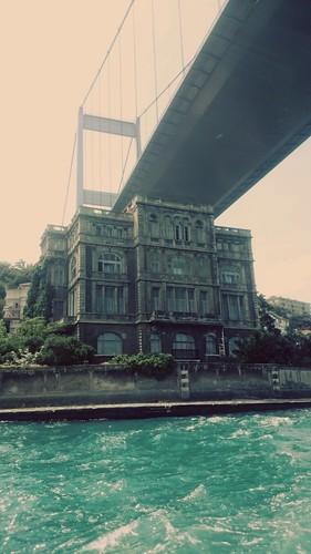 Köprü 🌉 altı