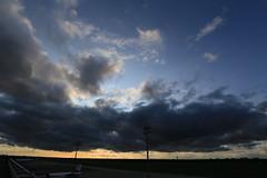 Groe Wolke 'im Anflug' ... (Pascal Volk) Tags: sky cloud berlin weather himmel wolke wideangle lookup wa ww flughafen 16mm cloudporn wetter tegel txl superwideangle sww uwa weitwinkel swa ultrawideangle flickrfriday uww eddt berlinreinickendorf ultraweitwinkel superweitwinkel berlintegelairport canonef1635mmf4lisusm canoneos6d ff168