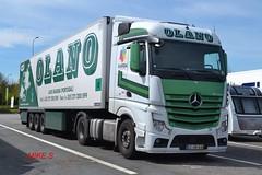 Mercedes Benz Actros MP4 'OLANO' reg 22-OB-83 (erfmike51) Tags: lorry olano artic euro6 mercedesbenzactrosmp4