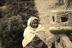 Ooty Paati (masalatea|filtercoffee) Tags: ooty india old lady portrait faces tamilnadu age people