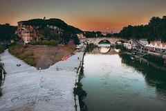 _DSC5238-Modifica (syderianus) Tags: roma rome tramonto sunset luna moon tevere fiume ponte bridge isola tiberina nikon d800