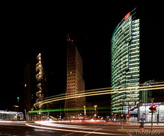20160909 - Flickr-ThoBra69 - 007 (ThoBra69) Tags: potsdamerplatz berlin nacht verkehr lichtzieher
