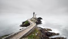 Guide sailors (FredConcha) Tags: light sea lighthouse france rocks bretagne lee farol filters guardian finister petitminou fredconcha nikond8001635