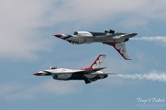 Air Force Thunderbirds inverted pass