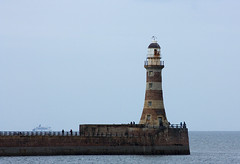 "Roker Pier (Sunderland North Pier) (farowright70) Tags: ocean light sea england lighthouse tower english water canon ian faro coast waves wear guide farol fin beacon phare hazard fyr leuchtturm sentinel sunderland roker faros ianwright fyret 등대 灯台 fyrtårn wearside маяк majakka goleudy 灯塔 منارة finwright finwrightphotographycouk vuurtor ""mercu suar"" દીવાદાંડી ""deniz feneri"""