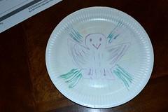 2015_Május_0313 (emzepe) Tags: bird paper hungary peace drawing pigeon decoration utca 37 otthon decor ungarn oiseau tavasz vogel 2015 hongrie május családi rajz madár papír galamb béke játék délután tányér hódmezővásárhely nappali bercsényi nálunk díszítés békegalamb kézügyesség papírtányér