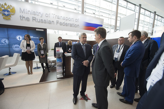 Maksim Sokolov visits the Ministry of Transport of the Russian Federation stand