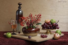 The Slice of Life (Esther Spektor - Thanks for 10+ millions views..) Tags: red stilllife food brown reflection green apple glass crimson metal fruit composition canon stand wooden bottle stem beige berry ceramics wine availablelight burgundy board cluster stilleben cutting vase bouquet brass grape tabletop bodegon naturemorte goblet naturamorta naturezamorta creativephotography artisticphoto estherspektor