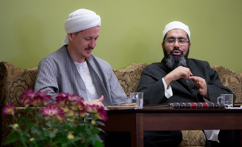 "Shaykh Yahya Rhodus at SeekersHub, Toronto and Seminar Series: Worship, Coffee and The Meaning of Life • <a style=""font-size:0.8em;"" href=""http://www.flickr.com/photos/88425658@N03/26772401241/"" target=""_blank"">View on Flickr</a>"