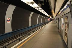 Walthamstow Central station, Hoe Street, E17 (Tetramesh) Tags: uk greatbritain england london unitedkingdom britain londres gb londra londen londinium lontoo llondon londone londyn llundain londn  lunnainn londain londono tetramesh londrez  loundres londr lndra