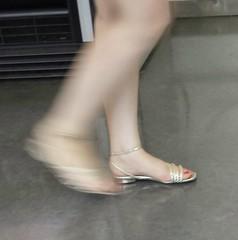 Street feet (575) (♠I Love Feet & Shoes♠) Tags: street sexy feet lingerie tights heels highheels sandali scarpe piedi sandals shoes chaussures pieds sandales schuhe sandalen füse ноги сандалий ботинок туфля pie zapatillas sandalias pés πόδια sapatos παπούτσια sandálias σανδάλια calcanhares каблуки mules huf hoof casco οπλή копыто stockings bas strümpfe medias meias κάλτσεσ чулки sabot pantyhose
