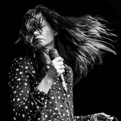 Josefin Ohrn and the liberation. (Indie Images) Tags: monochrome festival female hair mono nikon gig livemusic onstage femalesinger stagelights lunarfestival blackandwhiteimage femaleleadsinger festivalgirl livemusicphotographer birminghamreview indieimagesphotography photosbyindieimages lunarfestival2016 josefinohrnandtheliberation