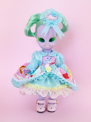 Embla (Helena / Funny Bunny) Tags: funnybunny emeraldwitch vintage doll 1972 solidbackground embla