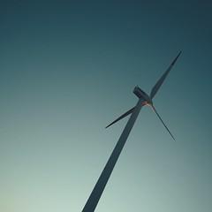 : Shinmaiko Marine Park (Jon-F, themachine) Tags: jonfu 2016 olympus omd em5markii em5ii  mirrorless mirrorlesscamera microfourthirds micro43 m43 mft ft     snapseed japan  nihon nippon   japn  japo xapn asia  asian fareast orient oriental aichi   chubu chuubu   nagoya  minimalism simple things windmill