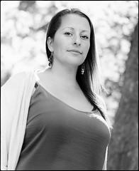 Elizabeth (Hasse Linden) Tags: portrait portrtt ritratto retrato film pellicola analog analogue mediumformat mamiya rb67 6x7 120 ilford hp5 standdevelopment adox adonal rodinal