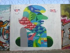 V2M / Nikos (juillet 2016) (Archi & Philou) Tags: inconnu unknown streetart rueordener paris18 murpeint paintedwall