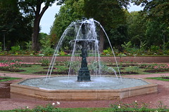 Fontaine Parc Napolon (Lgendes Lorraines) Tags: thionville fontaine parc jardin fountain jetdeau water spring garden